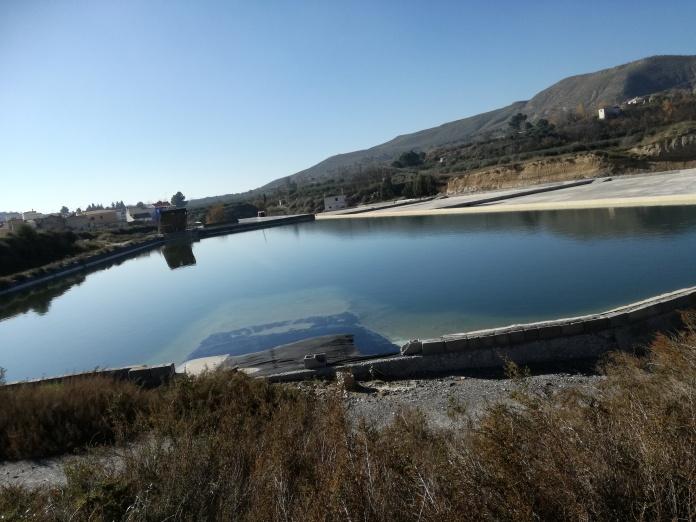 Salinas de La Malahá. Granada. Estanque de agua salada. Foto: Francisco López