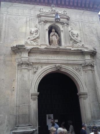 Portada lateral de San Pedro y San Pablo. Granada. Foto: Francisco López