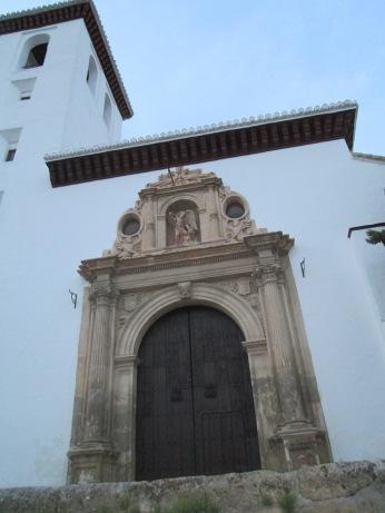 Portada principal. Iglesia de Nª Sra. de la Aurora y San Miguel Bajo. Albaicín. Foto: Francisco López