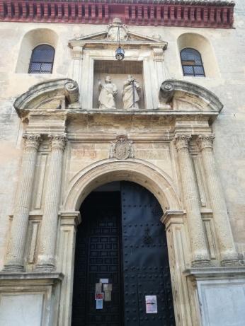 Portada principal de San Pedro y San Pablo. Granada. Foto: Francisco López