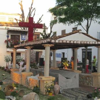 Cruz de Mayo en la Plaza larga. Albaicín.Foto: Francisco López