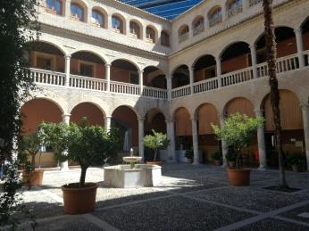 Claustro del Convento- Hotel de Santa Paula. Granada. Foto: Francisco López