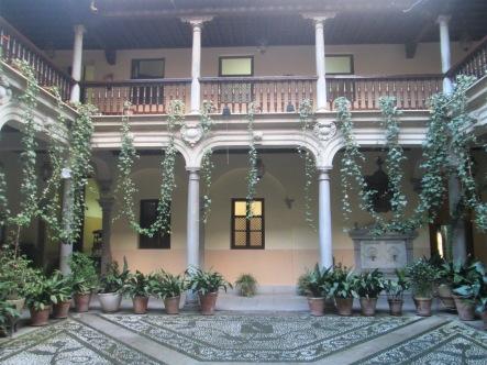 Patio. Palacio de Caicedo. Granada. Foto: Francisco López