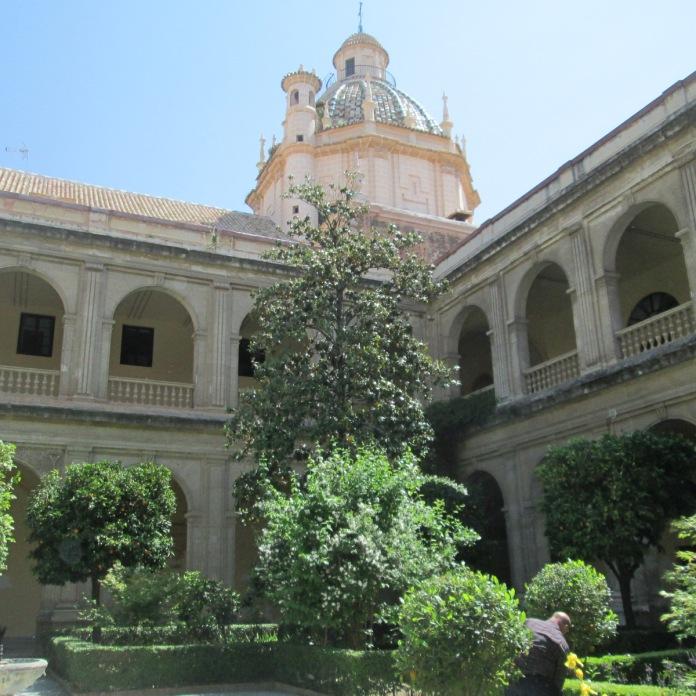 Claustro de Santa Cruz la Real. Granada. Foto: Francisco López