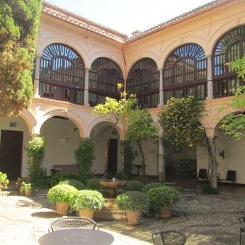 Patio del Parador de San Francisco: Granada. Foto: Francisco López