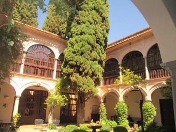 Patio del Parador de San Francisco. Granada. Foto: Francisco López