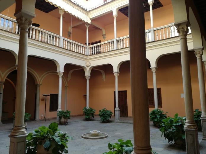 Patio porticado. Palacio de los Córdova. Granada. Foto: Francisco López