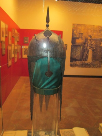 Casco persa. Museo Casa de los Tiros