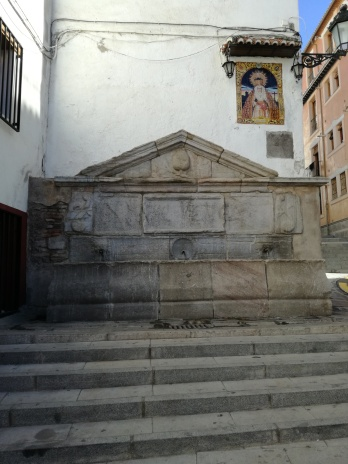 Pilar. Cuesta del Realejo
