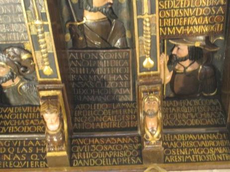 Zapatas talladas de la Cuadra Dorada. Casa de los Tiros
