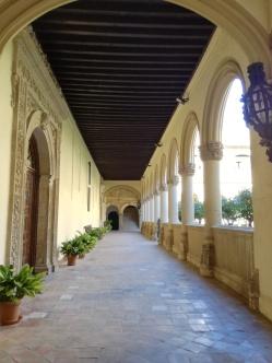 Monasterio de San Jerónimo. Lápidas en el pasillo. Foto: Francisco López