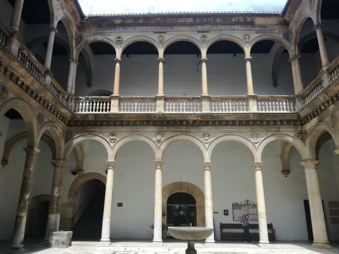 Hospital Real. Patio de la Capilla. Granada. Foto: Francisco López