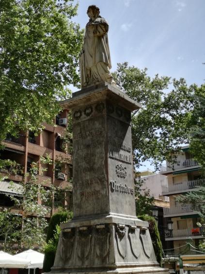 Plaza Mariana Pineda. Monumento. Foto: Francisco López
