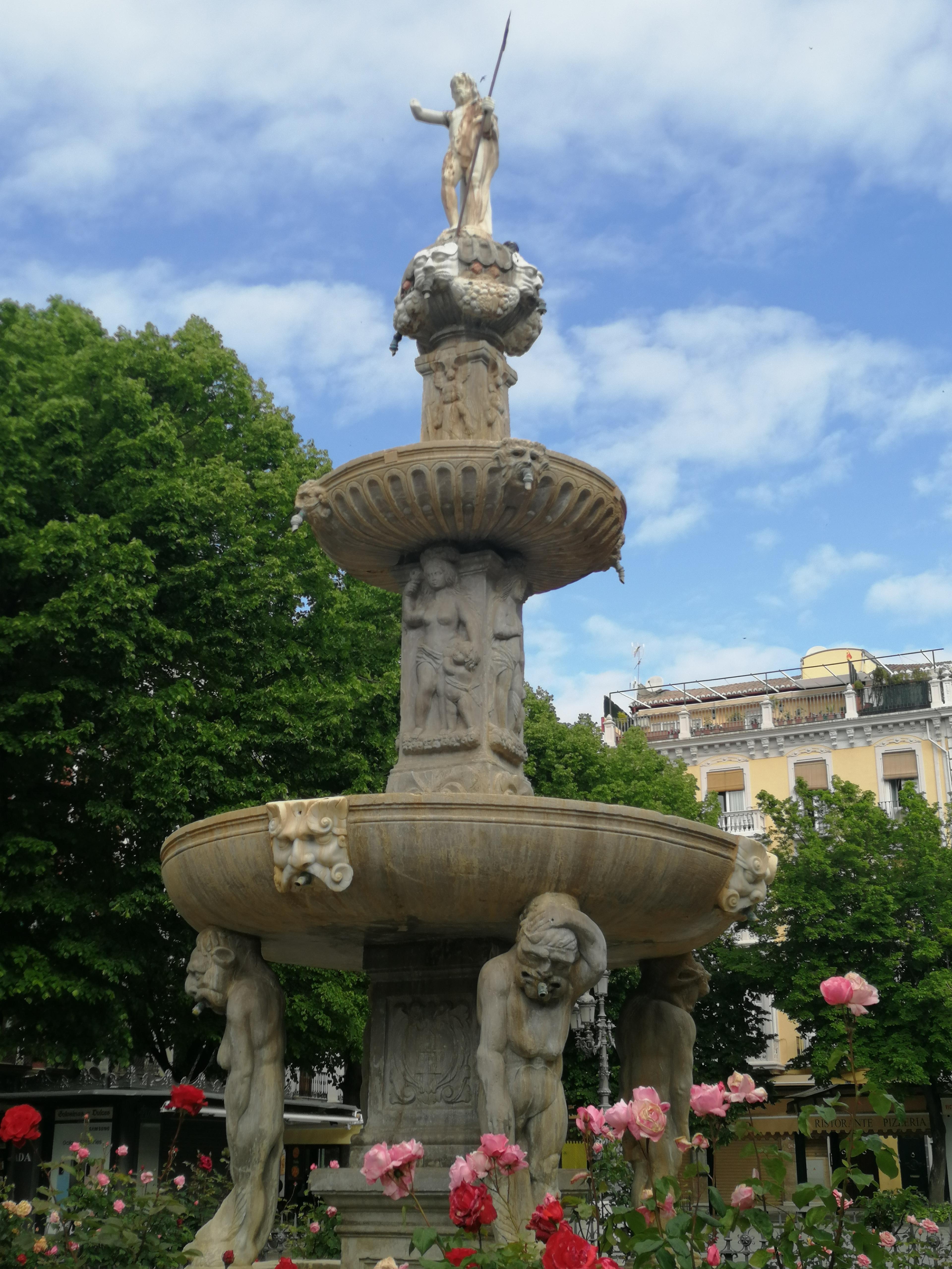 Fuente de los Gigantones. Plaza Bib.Rambla