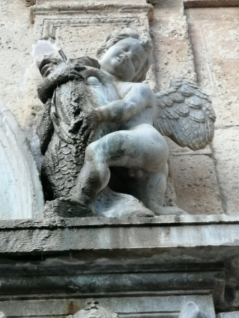 Pilar de carlos V. Surtidor. Granada. Foto: Francisco Lóez