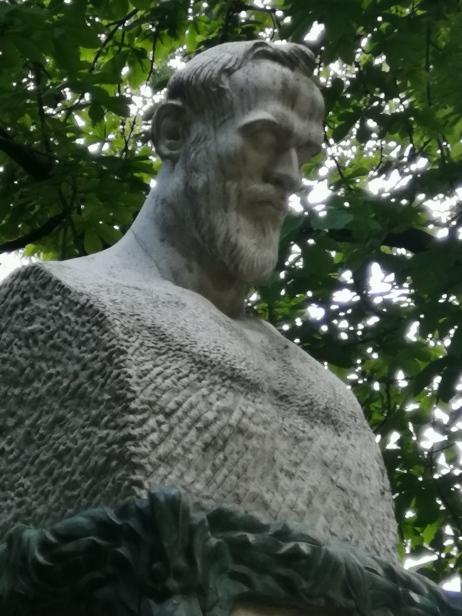 Fuente A. Ganivet. Busto. Granada. Foto: Francisco López